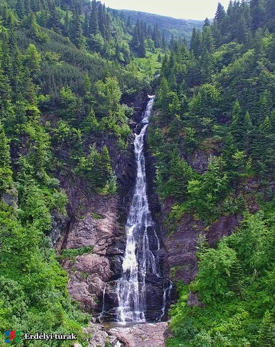 A Kurta vízesés, cascada Scurtele, vízesései összesen 293 méter magasságból zúdulnak alá