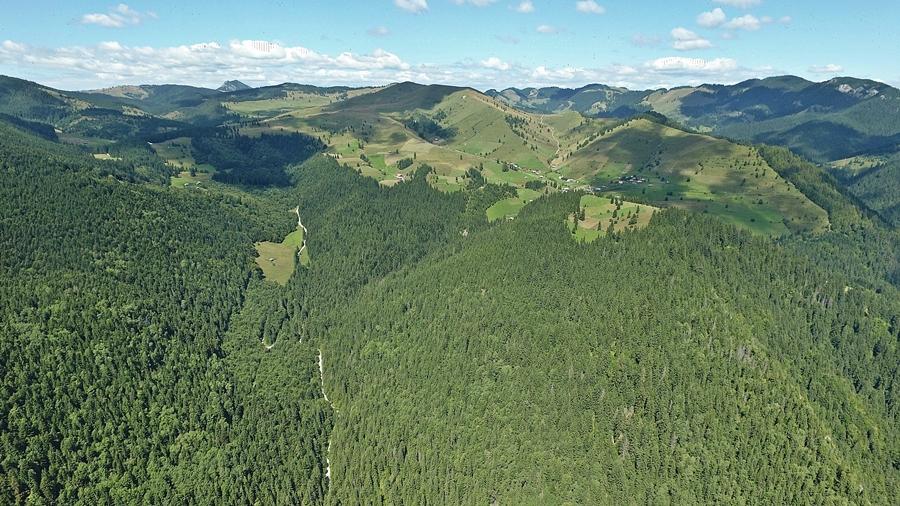 Ezen a fotón jól látszik, hogy milyen magasságban fekszik Bernádtelep. Csodaszép hely, nyáron, de ősszel is.
