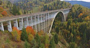 Az őszi Karakó-völgyhíd