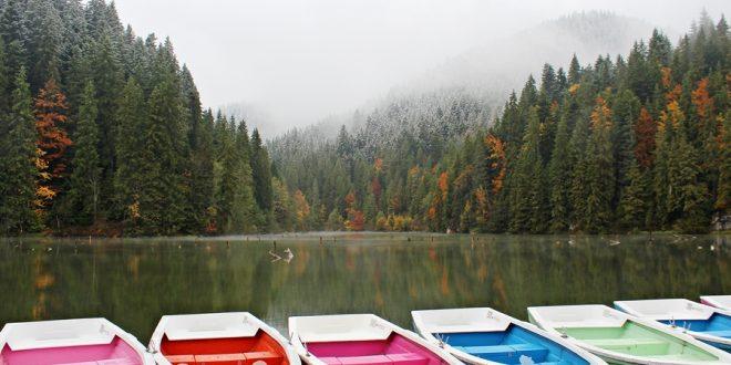 Az őszi Gyilkos tó